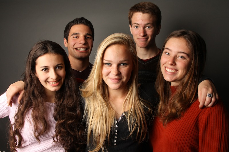 (Left to right) Sophomore Ana Bello, junior Adam Braver, junior Annabelle Warren, junior Luke Ballmer and senior Anaika Miller will be representing Foothill at the state tournament for speech and debate. Credit: Aysen Tan/The Foothill Dragon Press.