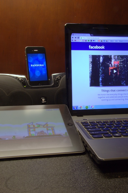 More students are becoming distracted by technology. Credit: Josh Ren/The Foothill Dragon Press