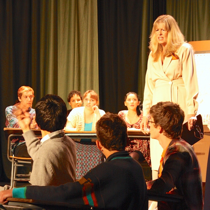 Ventura High social sciences teacher Linda Brug acts in VHS Drama Departments Winter Showcase. Credit: Natalie Smith/The Foothill Dragon Press